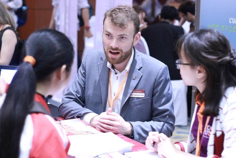Hà Nội sẽ thanh tra các tổ chức dịch vụ tư vấn du học