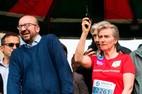 Công chúa bắn súng lệnh, Thủ tướng Bỉ nhập viện vì mất thính lực