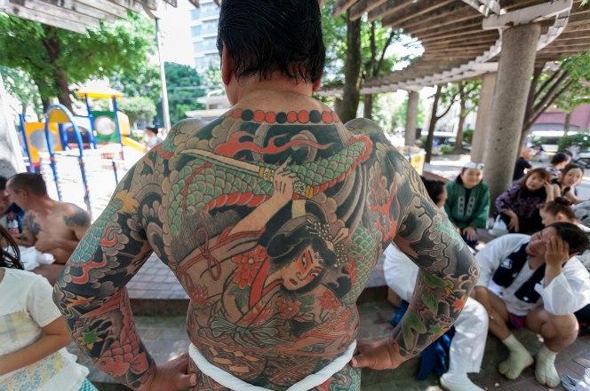 hình xăm, Nhật Bản, suối nước nóng
