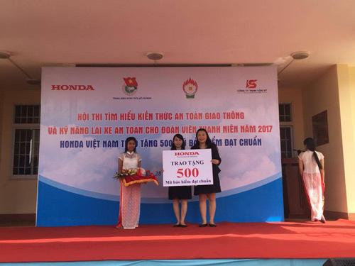 500 mũ bảo hiểm tặng giới trẻ Đắk Lắk