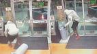 Cướp liều lĩnh lùi ô tô bán tải vào khuân cây ATM