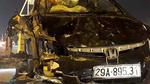 Xế hộp đâm nát nhiều xe máy, lao gãy cột điện rồi lật ngửa