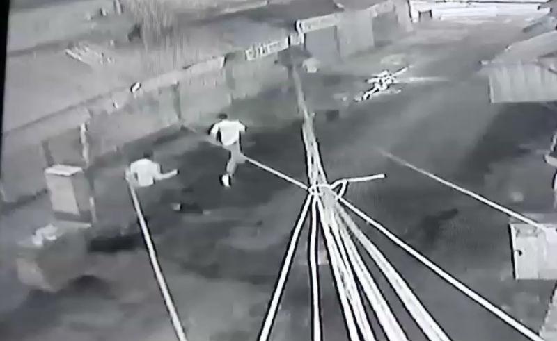 Clip diễn biến nhóm thanh niên chém chết bé trai 14 tuổi ở Sài Gòn