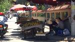Hà Nội sẽ cấm bán hoa quả ở vỉa hè
