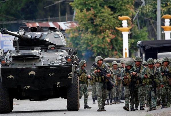 Chuyện đau lòng ở Philippines: 11 lính chết vì 'quân ta bắn quân mình'