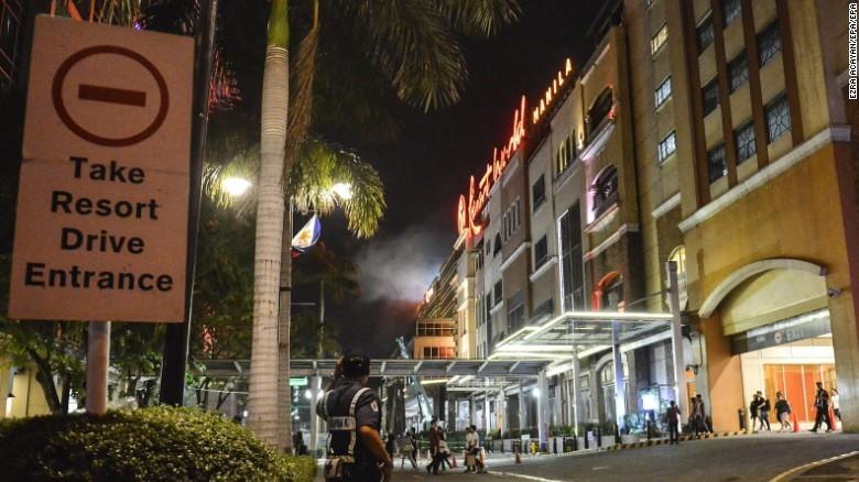 Chấn động xả súng ngay ở thủ đô Philippines
