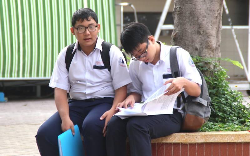 Hơn 70.000 học sinh TP.HCM bắt đầu thi vào lớp 10
