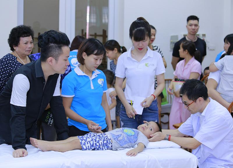 Con trai Tùng Dương bị bố 'bỏ rơi' vào ngày 1/6
