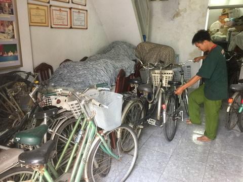 từ thiện, thợ sửa xe, người tốt việc tốt, xe đạp