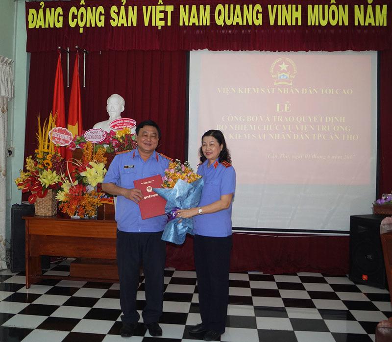 Nhân sự mới các tỉnh Ninh Bình, Gia Lai, Quảng Ngãi, Cần Thơ