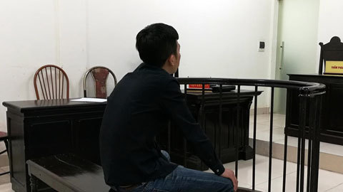 Hà Nội: Truy lùng, chém đứt tai kẻ sàm sỡ vợ