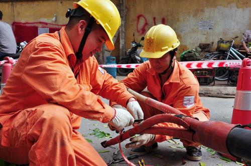 Không cắt điện ở Hà Nội khi trời nóng 36°C