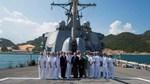 Tàu khu trục Hoa Kỳ dừng tại Cam Ranh