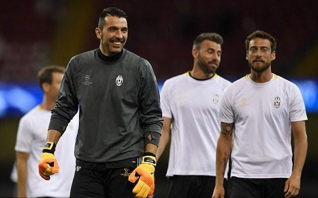 Juventus hừng hực khí thế trước giờ tử chiến Real Madrid