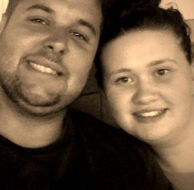 Chồng mất 8 tháng, vợ mới phát hiện mang thai