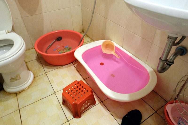 mất nước, cắt nước, nắng nóng, khu đô thị Linh Đàm, Hà Nội
