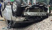 Bố lái ôtô chở cả nhà về đám giỗ, 2 mẹ con tử vong