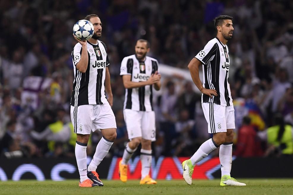 Nỗi buồn tê tái của Buffon và các đồng đội