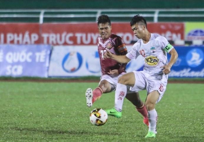 HAGL bị Sài Gòn FC đá bay khỏi Cúp QG sau màn 'đấu súng'