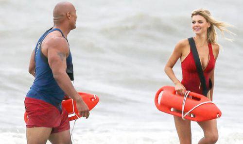 Cả đoàn casting 'Baywatch' kinh ngạc vì người đẹp quá bạo