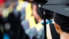 2 lý do triệu phú ít được điểm cao khi đi học