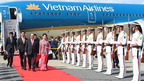 Thủ tướng đến Tokyo, bắt đầu thăm chính thức Nhật Bản