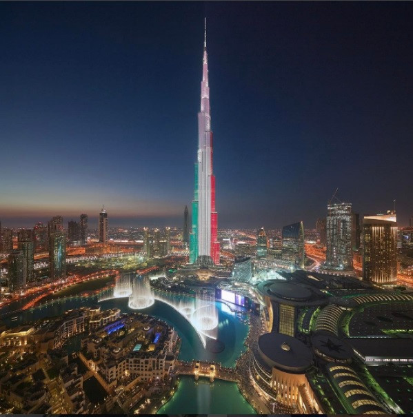 Cuộc sống nằm mơ cũng khó thấy của Thái tử Dubai