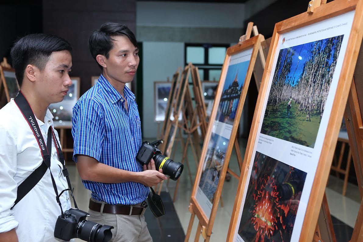 Triển lãm Ảnh và Phim trong Cộng đồng ASEAN tại Việt Nam
