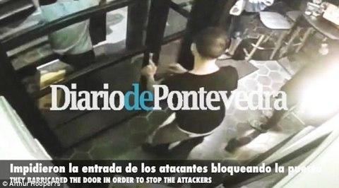Nhân viên quán bar London dùng thân mình chặn khủng bố