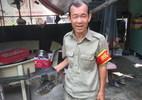 Người đàn bà đeo đầy trang sức đứng trước ngôi nhà sang trọng ở Sài Gòn - ảnh 9
