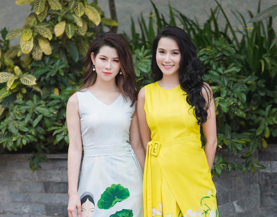Lương Giang, Huyền Trang tạo dáng với áo dài, váy vẽ độc đáo
