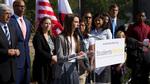 Vụ kiện lịch sử của 9 học sinh Mỹ với luật biên chế giáo viên