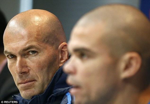 Zidane và Real vừa vô địch đã có 'biến'