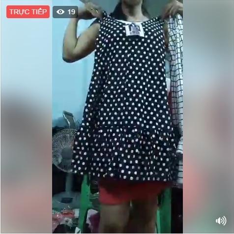 'Bão' livestream phủ kín giới 'tiểu thương online'