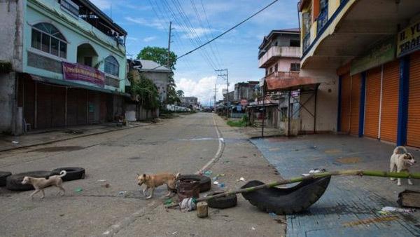 Dân đói lả kể về nỗi khiếp sợ ở Marawi