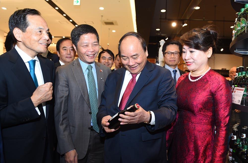 Thủ tướng Nguyễn Xuân Phúc dự 'Tuần lễ hàng Việt Nam' tại Nhật Bản