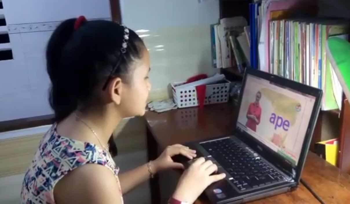 Học online, hai bé 9 tuổi đạt giải cao Olympic tiếng Anh