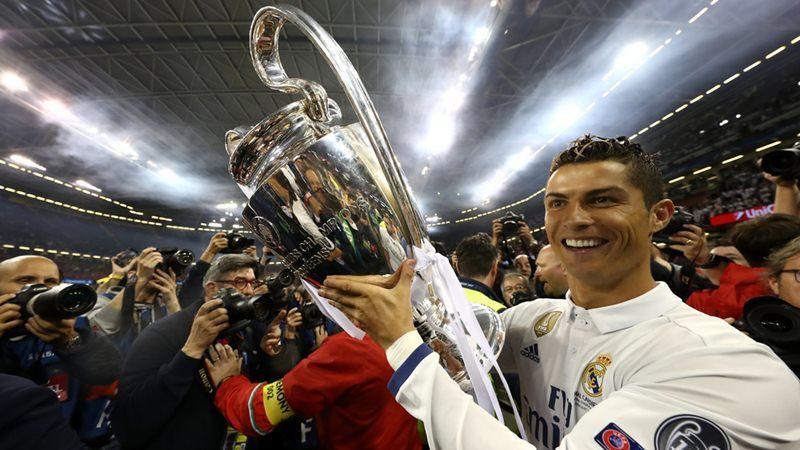 Ronaldo vô đối về kiếm tiền, Liverpool ê mặt vụ Van Dijk