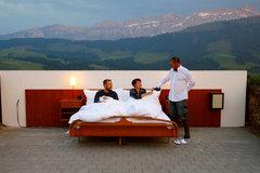 Chi 7 triệu qua đêm ở khách sạn 'không sao' giữa đồng không mông quạnh
