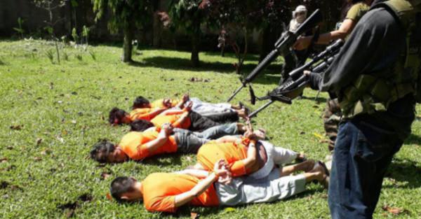 Hình ảnh đáng sợ về tội ác của phiến quân Nam Philippines