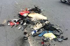 Xe ben vò nát xe máy, cán trọng thương người ở Sài Gòn
