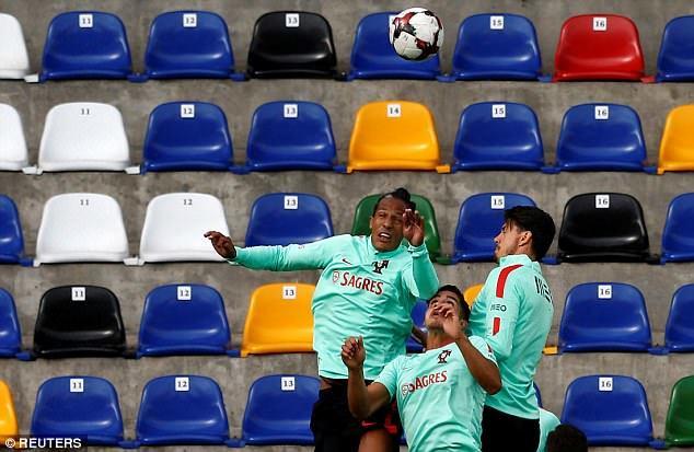 Ronaldo tập luyện điên cuồng, quyết 'ăn sống nuốt tươi' Latvia
