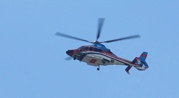 Trực thăng đón khách VIP từ quận 1 ra Tân Sơn Nhất