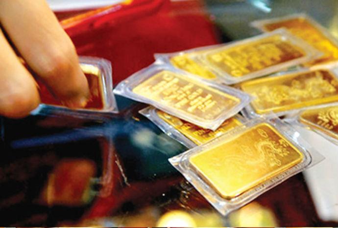 Giá vàng hôm nay 10/6: Vàng giảm giá, USD tăng ngược chiều