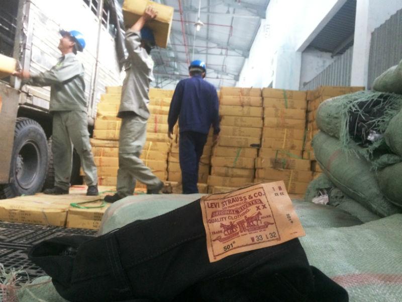 Kho quần jean Levi's đểu trị giá 1,5 triệu USD bị tiêu hủy
