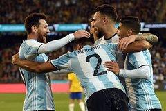 Messi nhờ nhạt, Argentina thắng may Brazil