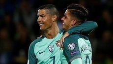 Ronaldo lập cú đúp, Bồ Đào Nha vùi dập Latvia