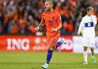 Cuốn phăng Luxembourg, Hà Lan thắp hi vọng dự World Cup