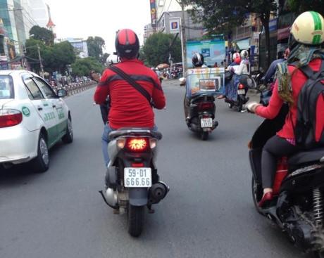 'Phát sốt' với dàn xe ga Honda SH biển khủng nhất Việt Nam