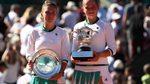Nữ tay vợt xinh đẹp lập kỳ tích vô địch Roland Garros